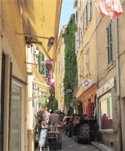 Newsome on St. Tropez
